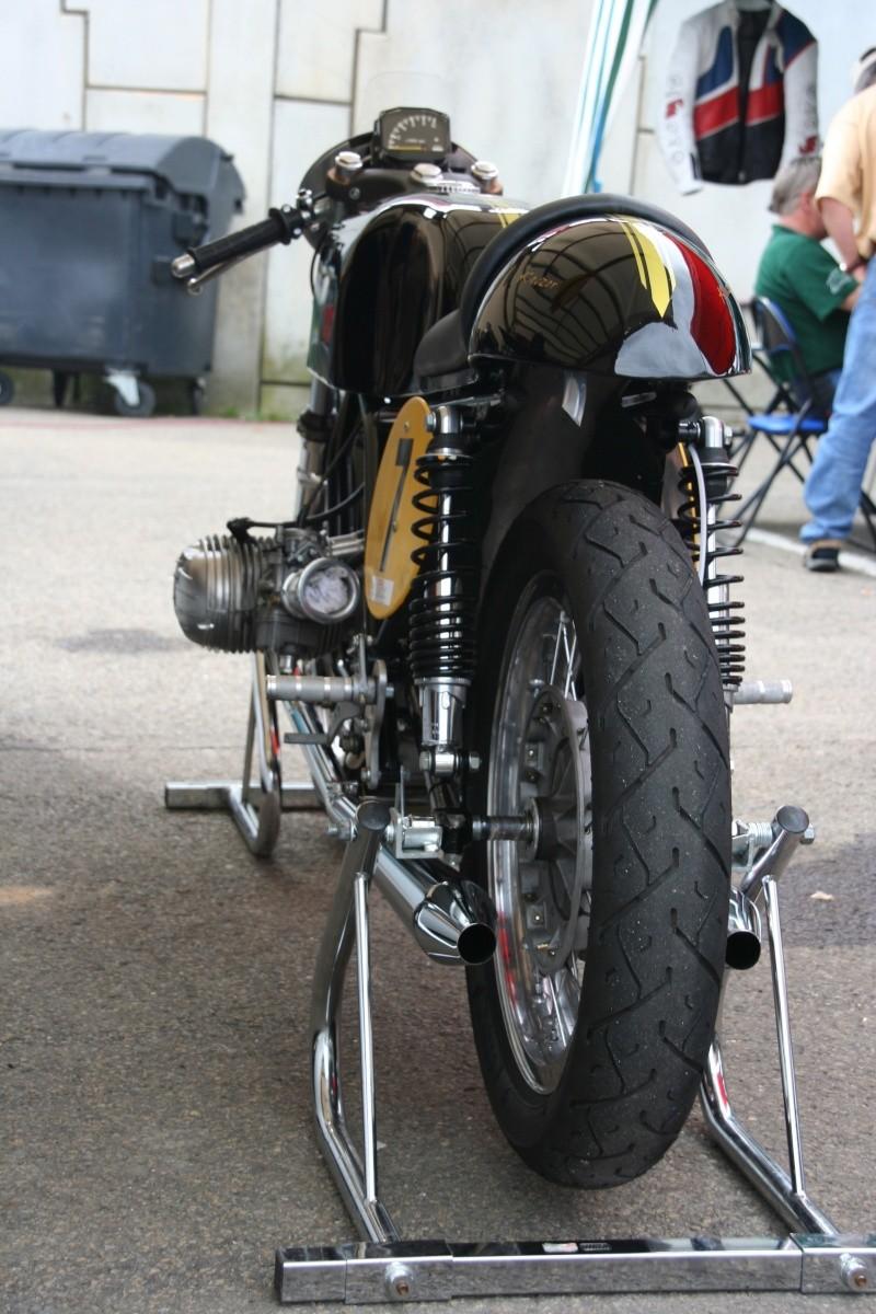 C'est ici qu'on met les bien molles....BMW Café Racer - Page 2 Img_4411