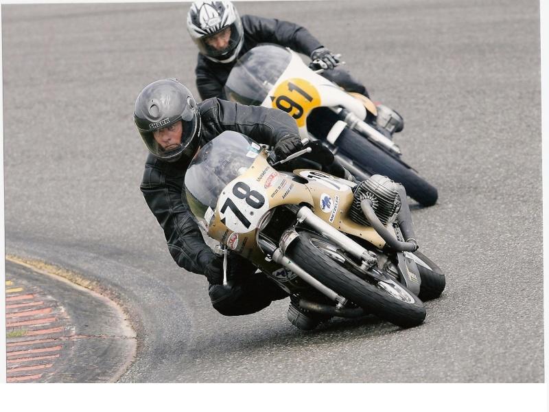 C'est ici qu'on met les bien molles....BMW Café Racer - Page 2 Vma_no10