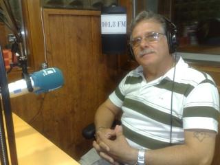 Visita de Cinta Aleman y Patricio, oyentes de Barcelona 11082011