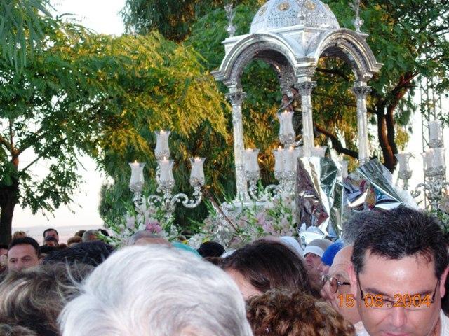 Con nuestra Virgen Chiquita del Conquero 410