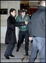 Robert Pattinson, Kristen Stewart , Taylor Lautner et Chris Weitz, à Paris, le 10 Novembre 2009... 00412