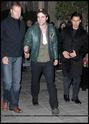 Robert Pattinson, Kristen Stewart , Taylor Lautner et Chris Weitz, à Paris, le 10 Novembre 2009... 00912