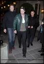 Robert Pattinson, Kristen Stewart , Taylor Lautner et Chris Weitz, à Paris, le 10 Novembre 2009... 01012