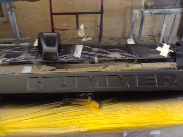 Restauration des plastiques et pare-chocs sur un Hummer H2 Dsc02512
