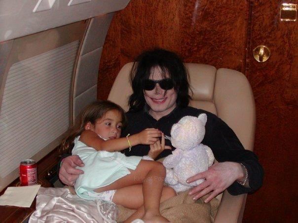 Foto di Michael e i bambini - Pagina 2 Mj10