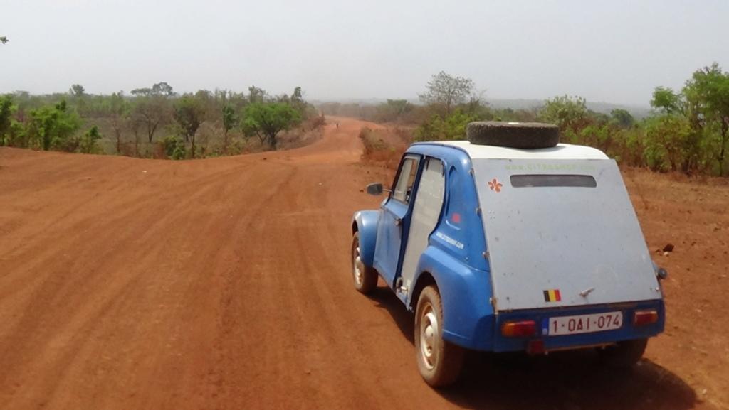 Recherche conseils pour tente sous la chaleur de l'Afrique.. Dsc00010