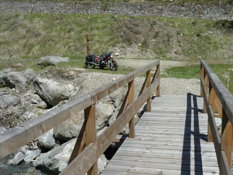 Images de vos vieux Flats et vieux ponts... P1010710
