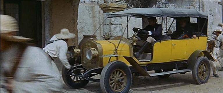 Les automobiles...dans le western. Vlcsn350
