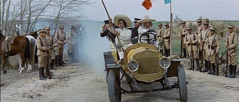Les automobiles...dans le western. Vlcsn351