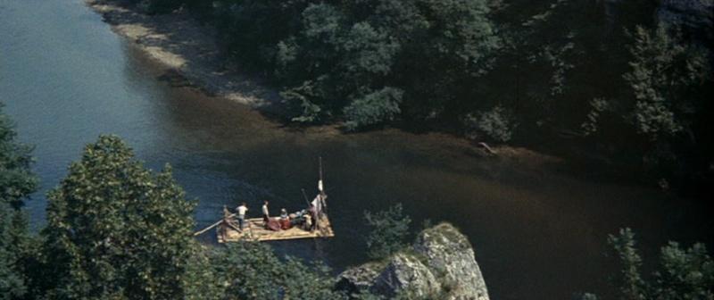 Les bateaux (et tout ce qui flotte)...dans les westerns. Vlcsn385