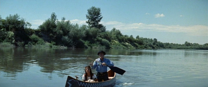 Les bateaux (et tout ce qui flotte)...dans les westerns. Vlcsn386