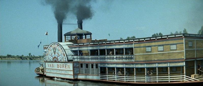 Les bateaux (et tout ce qui flotte)...dans les westerns. Vlcsn387