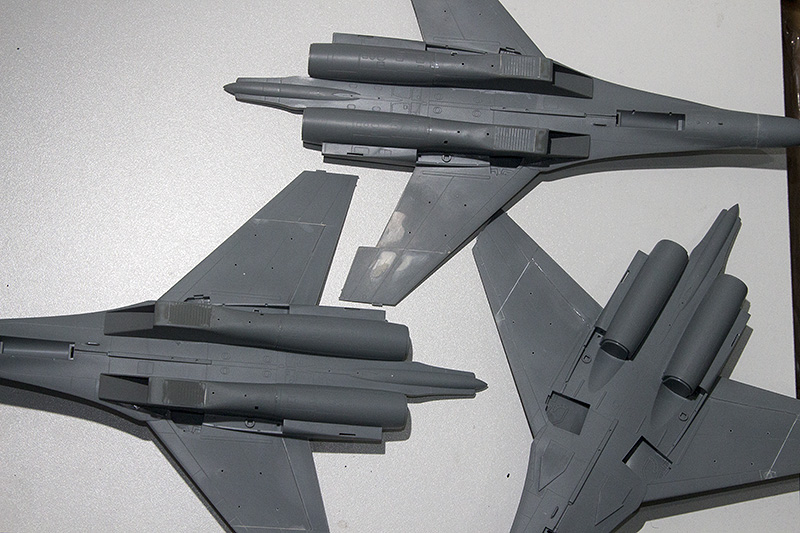 Four 1/72nd scale Flankers 1406_310