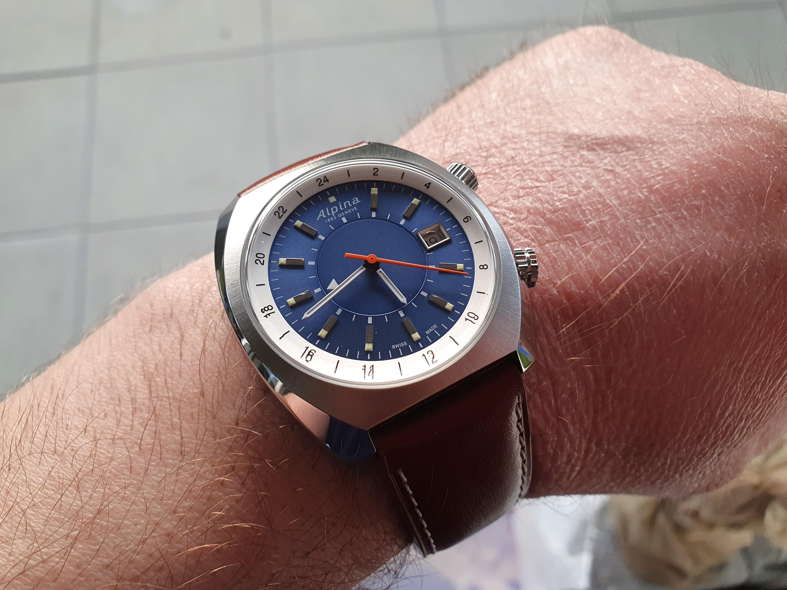 Alpina - Une nouveauté inattendue chez Alpina: Startimer Pilot Heritage GMT 20210247