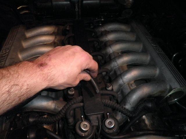 demontage haut moteur pour rampe de graissage Downlo11