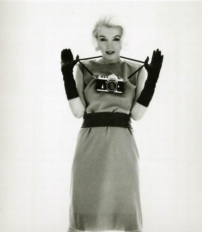 Marilyn Monroe - Page 8 Rpkbvk10