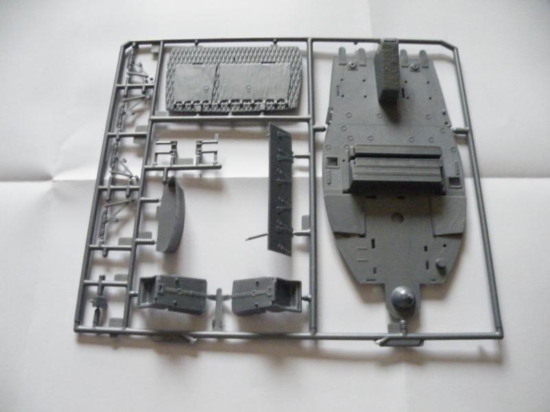 Bell Huey Gunship 1/24 Revell Gb_00610