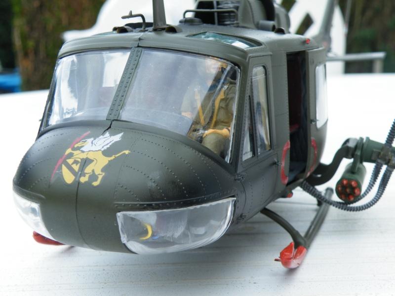 Bell Huey Gunship 1/24 Revell Gb_03810