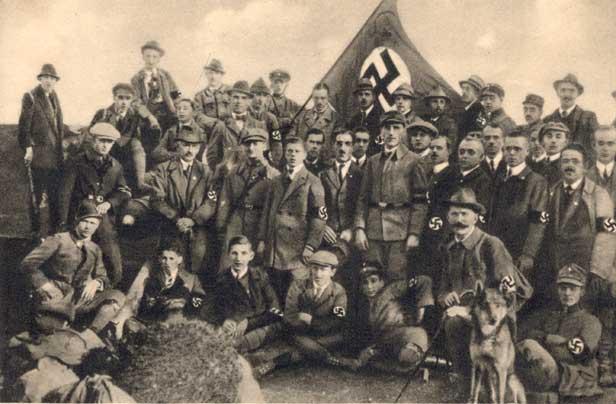 La Sturmabteilung,SA,la section d'assaut de la NSDAP, 113