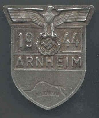 Les Plaques de bras de la Wehrmacht 1210
