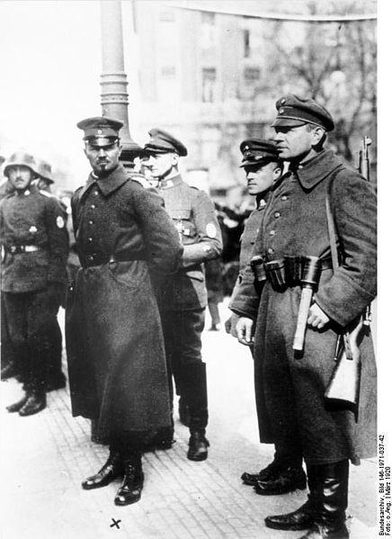La Sturmabteilung,SA,la section d'assaut de la NSDAP, 213