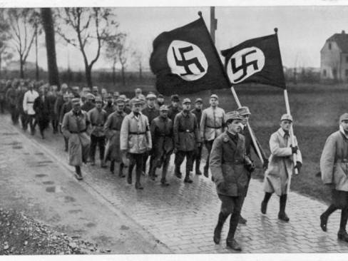 La Sturmabteilung,SA,la section d'assaut de la NSDAP, 512