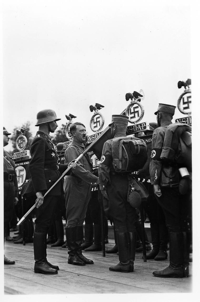 La Sturmabteilung,SA,la section d'assaut de la NSDAP, Artike10