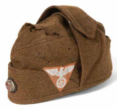 La Sturmabteilung,SA,la section d'assaut de la NSDAP, Bonnet10