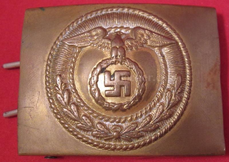 La Sturmabteilung,SA,la section d'assaut de la NSDAP, Croix_10