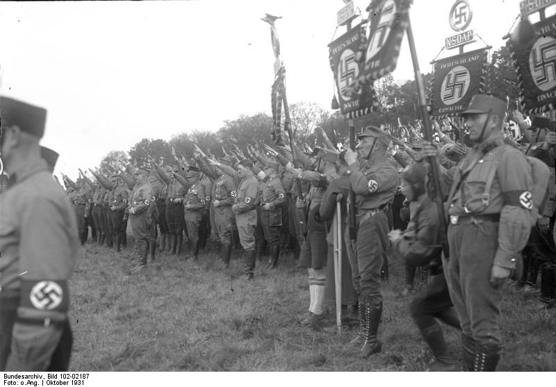 La Sturmabteilung,SA,la section d'assaut de la NSDAP, Fahnen10