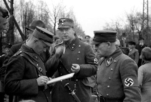La Sturmabteilung,SA,la section d'assaut de la NSDAP, Raesfe11