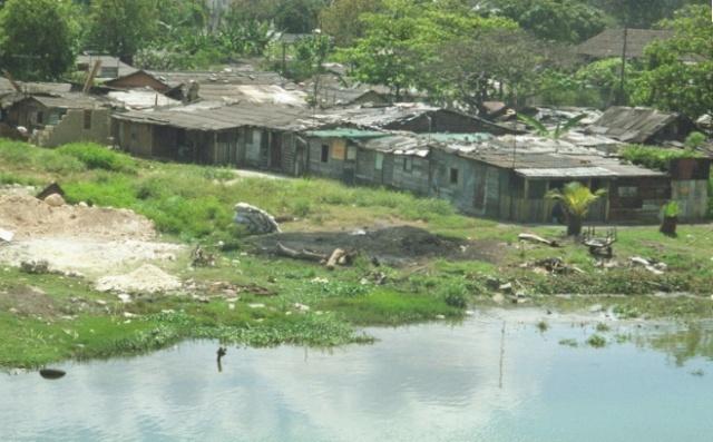 Zooma une equipe qui zoom au pays des langostas.... Barrio10
