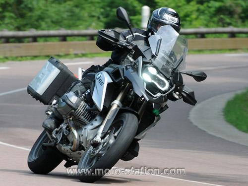 Comparatif motos: Tous les gros trails du moment  Compar11