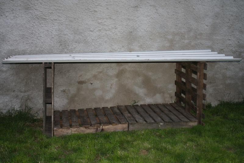 Construction d'un abris pour chiens 00114