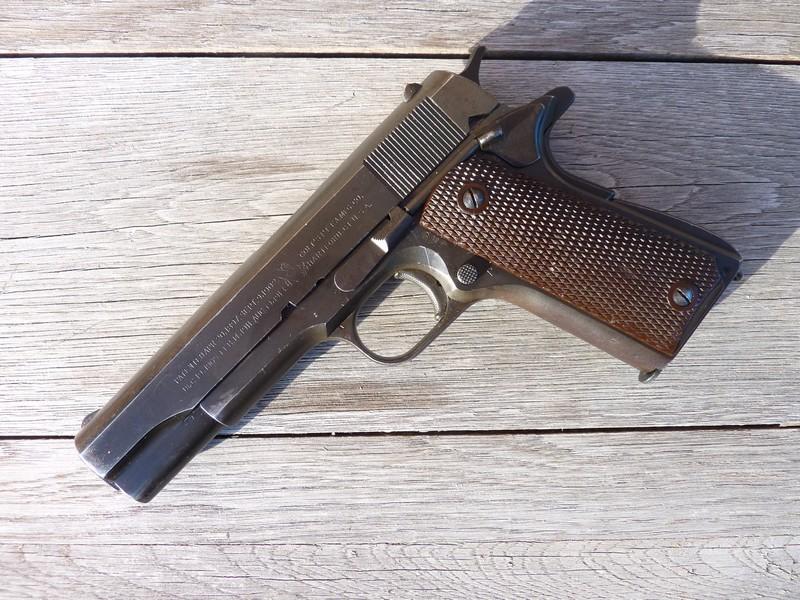 Colt A1 US Property de 1945 Parko Lubrite P1040311