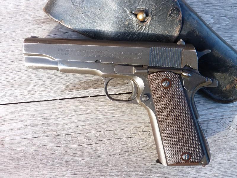 Colt A1 US Property de 1945 Parko Lubrite P1040416