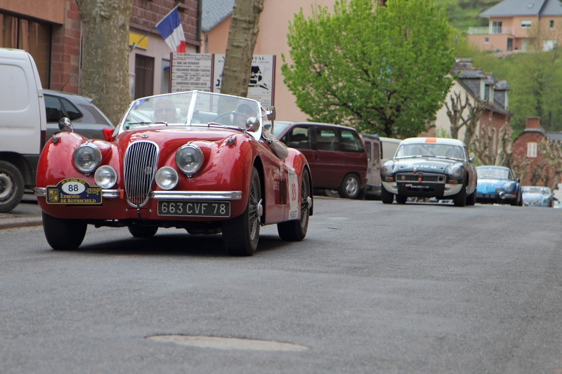 TOUR DE FRANCE AUTO Jaguar10
