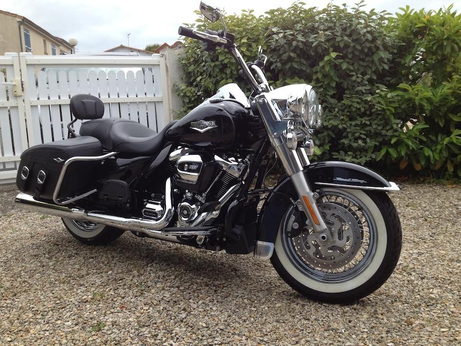 Road King uniquement, combien sur Passion-Harley  - Page 19 Img_2411