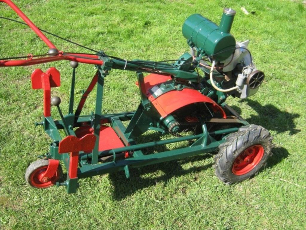 (vends) tracteurs et Gloppe(s) - Page 2 Moto_t10