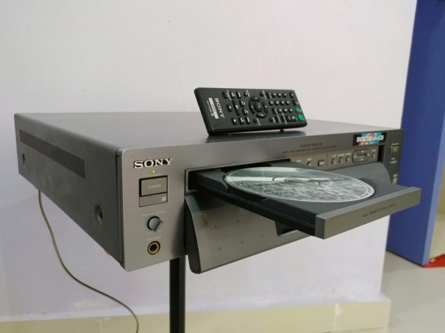 Sony DVP-S7000 Flagship DVD CD Player and Standalone Transport with Remote 20180133