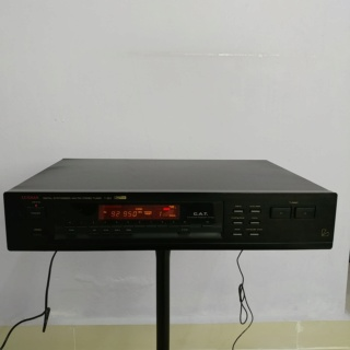 Luxman T-353 Synthesized AM-FM Stereo Tuner 20190216