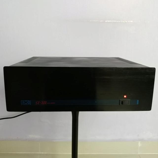 B&K Component ST-202 Stereo XLR input Power Amplifier 200watts per channel 20190638