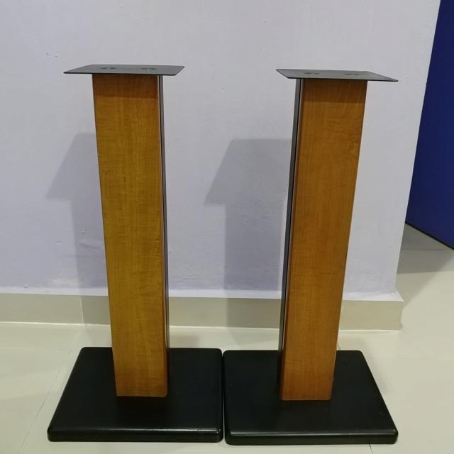 Bookshelf Speaker wood steel stand 24 inch height 20190711