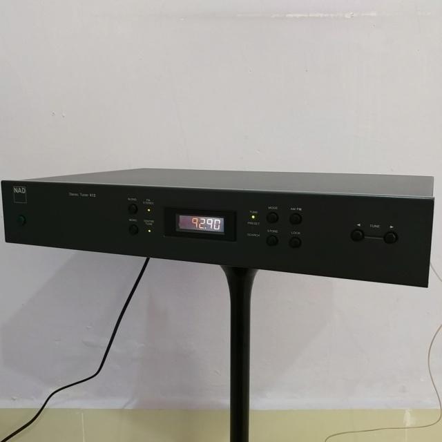 NAD 412 Stereo FM Tuner Radio Digital  20190726