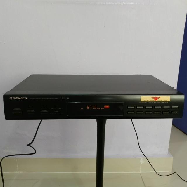 Pioneer FM AM Digital Synthesizer Tuner F-205 20190730