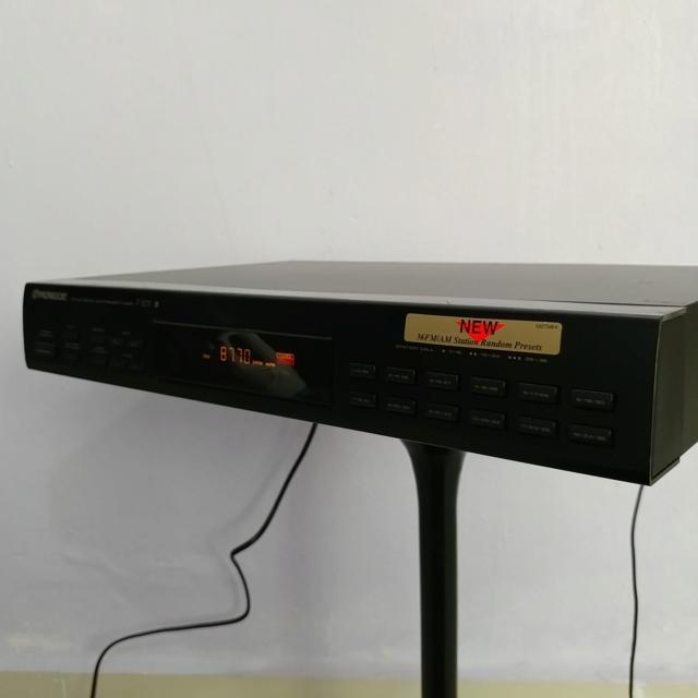 Pioneer FM AM Digital Synthesizer Tuner F-205 20190732