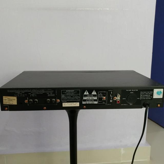Pioneer FM AM Digital Synthesizer Tuner F-205 20190733