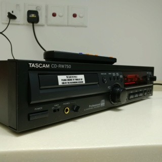 Tascam Professional Studio Digital Analog Converter DAC CD Player CD-RW750  20191035