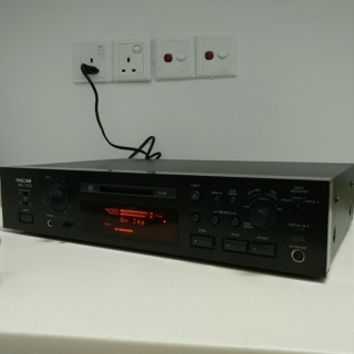 Tascam Studio Professional MiniDisc Player Recorder and DAC MD-350 20191112