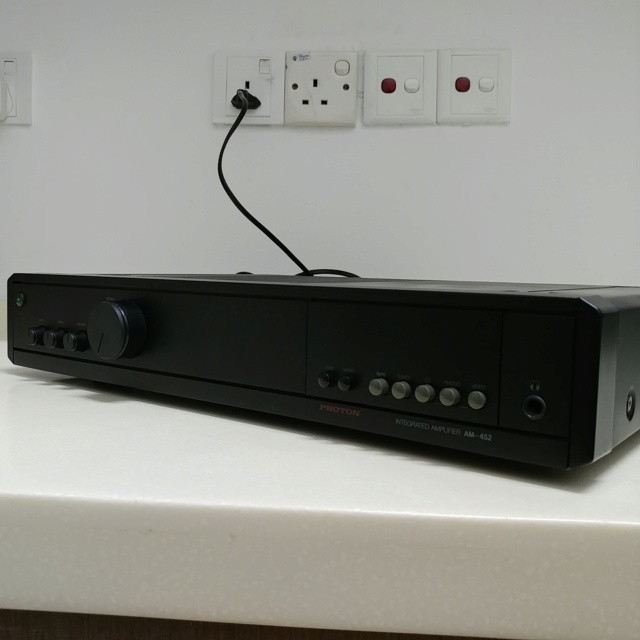 Proton AM-452 stereo integrated amplifier with phono  20201016
